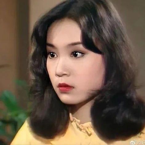 19岁美遍亚洲,62岁宣布终生「独居」,她哪来的底气?