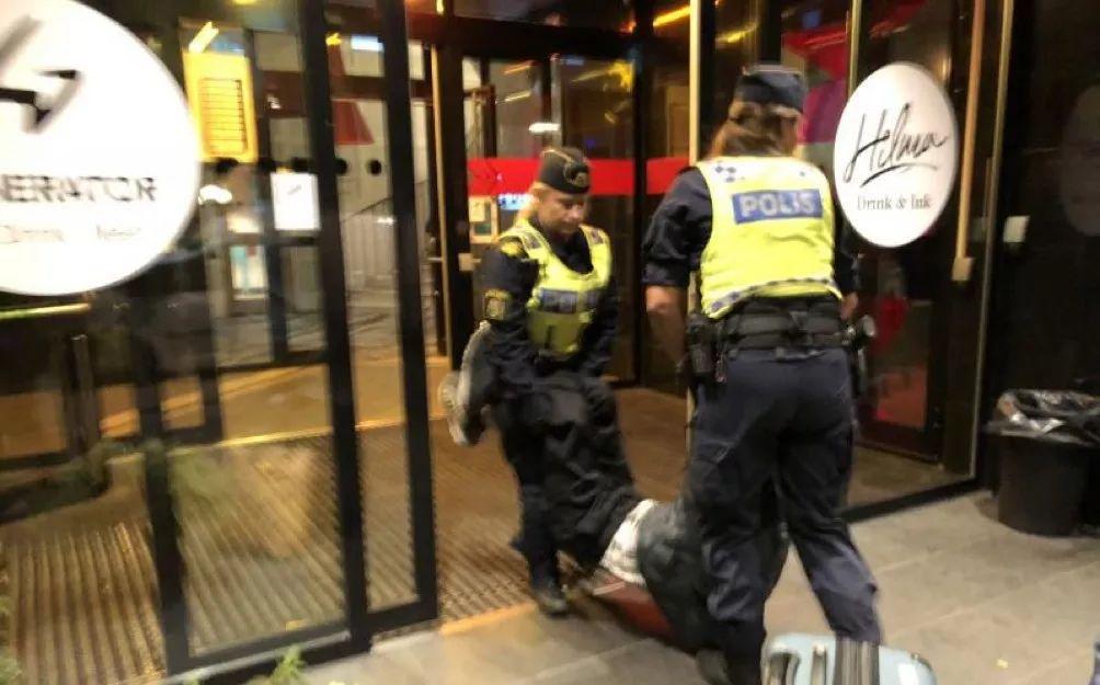 一家三口被扔墳場!中國遊客遭瑞典警察粗暴對待,我大使館嚴正交涉!
