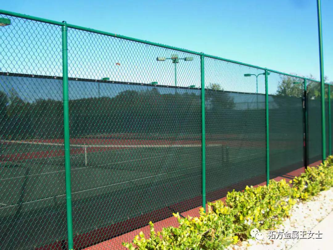 体育场围网是由哪几部分组成的?