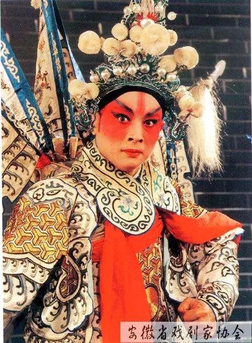 中国城市改名后,张家界发大财!黄山哭瞎了眼!
