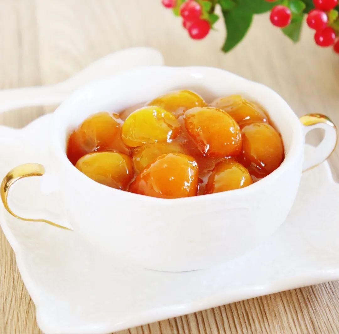 它在冬季才盛产,熬成蜜饯泡水喝,止咳化痰开胃消食,还能预防感冒