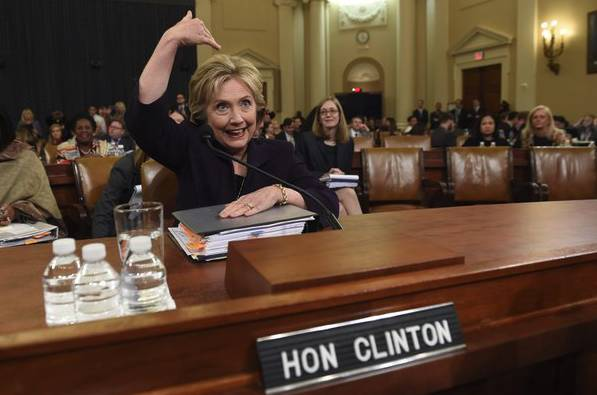 希拉蕊歐巴馬都將入獄?「郵件門」的來龍去脈——「只怕把你的眼珠瞪出來」