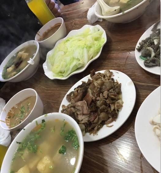 北京這18家最破爛的店,卻有著讓人忘記尊嚴的美味!