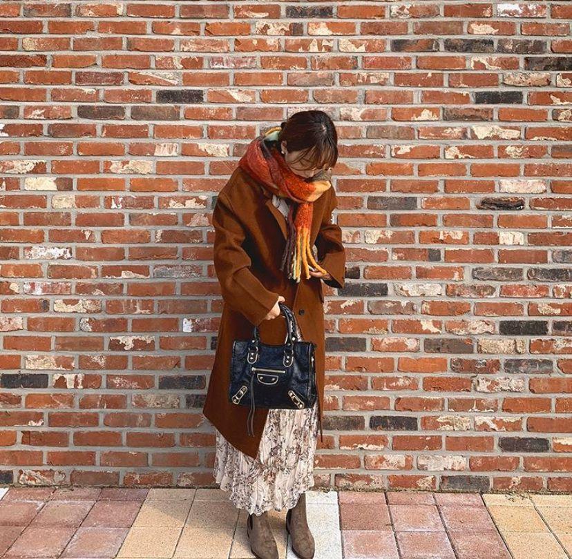 裙子 + 靴子 = 好看 + 洋气 !
